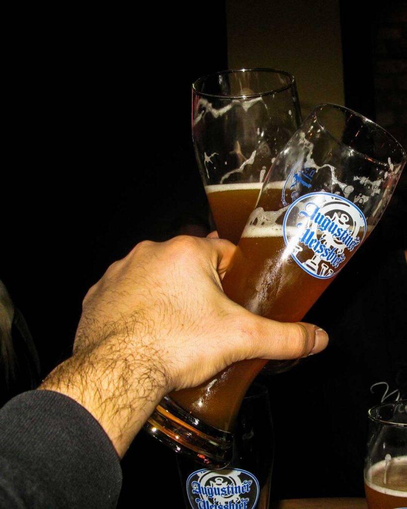Οι 4 μπυραρίες στο Μόναχο πρέπει να επισκεφτείς augustiner travelshare.gr